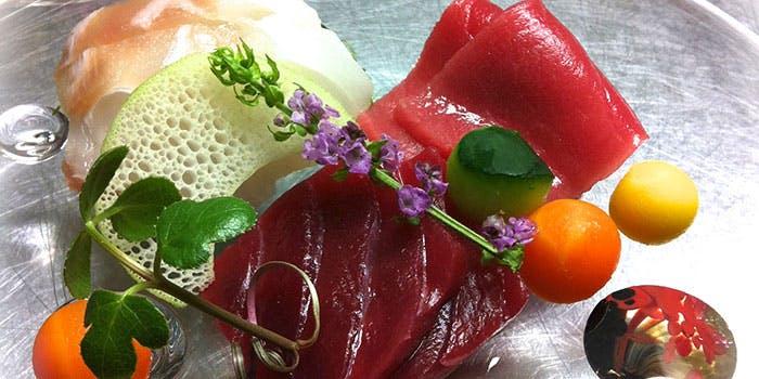 くすもとの色鮮やかな料理の写真