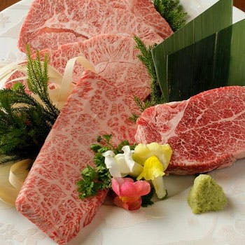 【一休限定】厳選された極上和牛!黒毛和牛の炙り寿司やサムギョプサル、料理長おすすめ特選肉など全9品