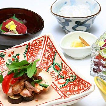 【一休限定】帝国ホテルで楽しむ贅沢ランチ!デザート5種&メイン4種から選べる全5品!食後のコーヒー付