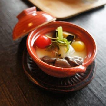 【東山・清水寺足元の五重塔の近く】すき焼き重や季節炊き合わせをご用意!京の風情を感じるひと時を
