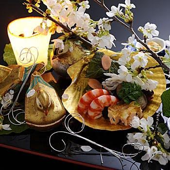 """【個室確約】椀物、お造り、焼物、御飯など季節で一番美味しい食材や高級素材を取り入れた全10品の""""吉"""""""