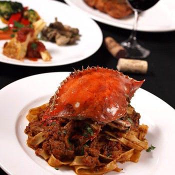 【渡り蟹のパスタコース】渡り蟹のパスタ、黒毛和牛のメイン、自家製バーニャカウダ、デザートなど全8品
