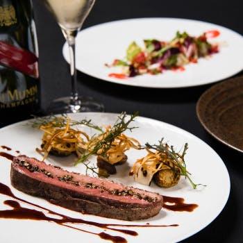 【Xmas2018】ボトルシャンパン付!メルセデスの開放的な雰囲気で堪能するWメインなど聖夜のディナー