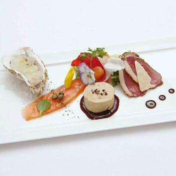 """旬の極上食材を使用した魚、肉両方お付きする本格イタリアン!全7品""""ラ・ヴィータ""""コースお1人様8,100円"""