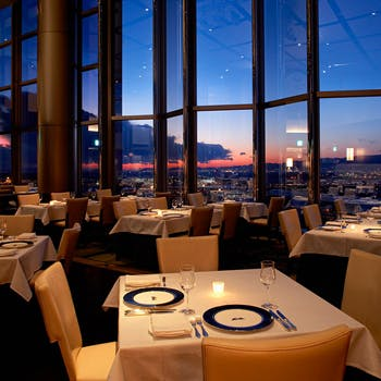 スカイレストラン&バー Top of Universal/ホテル京阪 ユニバーサル・タワー32Fの写真