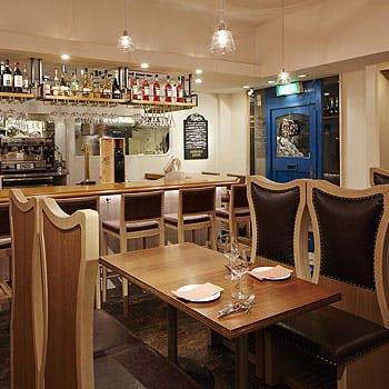 【スパークリング含む1ドリンク付】前菜、パスタ、メイン、デザート&カフェを西麻布の隠れ家イタリアンで