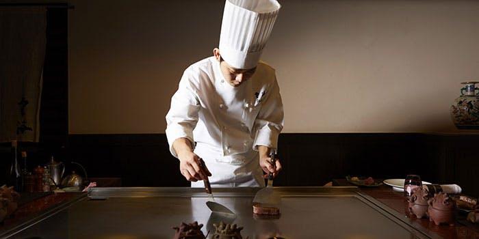 雲海日本料理のシェフ