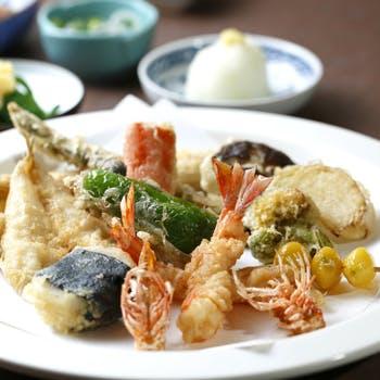 【選べる1ドリンク付!】鮑または蛤の天ぷら、旬の味覚を使った天ぷら13種〜16種、お刺身など贅沢な時間を