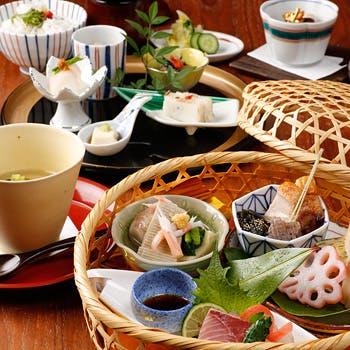 【全5品2700円】金沢 お昼の籠盛り膳「鼓門(つづみもん)」!金沢を感じる上質空間で!キラリトギンザ6階