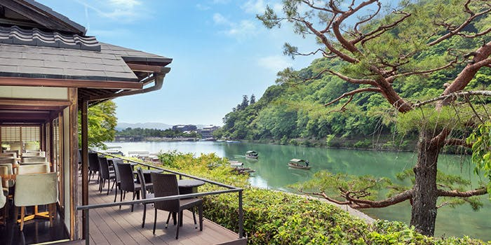 嵐山でのランチなら「茶寮 八翠」が景観◎の写真1