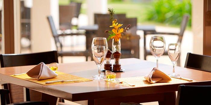 サンコーストカフェのテーブル席