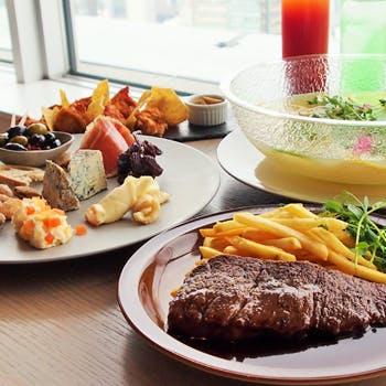 THE MOON(Restaurant / Lounge)の写真