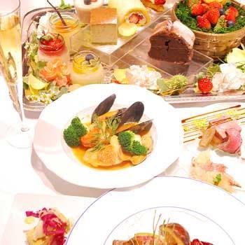 【食後のカフェお替り自由】旬を食材を使用したお魚&お肉料理Wメイン・デザート等全4品<クロスタワー1F>