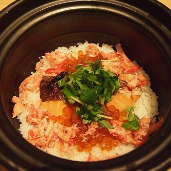 渋谷の隠れ家で・・・板前の技法が溢れる数々の料理、旬魚のお造り、炊き込み御飯等 豪華全8品