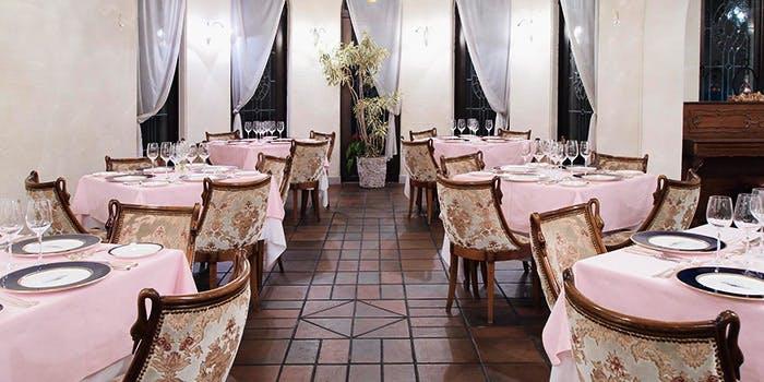 カフェレストランルタンのテーブル席