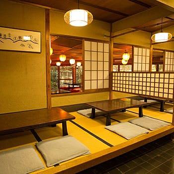 【八坂】前菜、いもぼう、季節の一品、揚物などこだわりのお料理が愉しめる京会席!お一人様6,480円