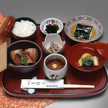 【花御膳】一子相伝の味 名物いもぼうに、とろろ海苔巻き、祇園豆腐、小鉢などこだわりの逸品をゆっくりと