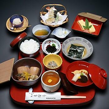 【都御膳】いもぼう、天ぷら、とろろ海苔巻き、祇園豆腐など伝統の味を贅沢にご堪能!お一人様5,400円
