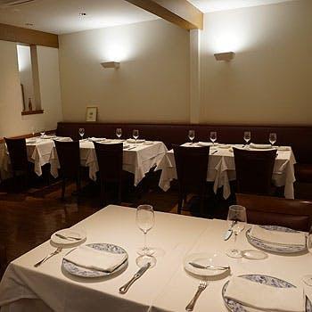 【初来店の方お薦め】クラシカルな寛ぎ空間で贅沢な本格フレンチを 選べる前菜&メイン料理、デザート全3品