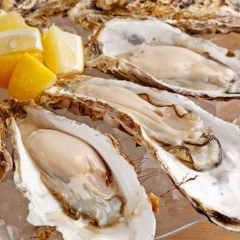 【落ち着いた雰囲気で過ごす銀座店!!】生牡蠣、雲丹、トリュフ、鴨肉のローストなど旬を盛り込んだ全7品
