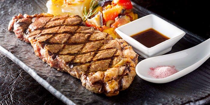 牛サーロインステーキを愉しむスペシャルランチ