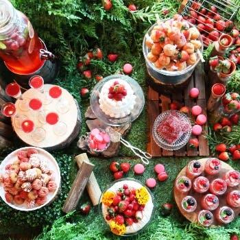 【いちごのデザートブッフェ付き】新鮮野菜、自慢の窯焼きピッツァや旬の食材のパスタなども食べ放題!