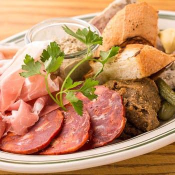 【スパークリング含む2時間飲み放題付】茨城県産美明豚のグリル!お肉の煮込み、前菜などカジュアル全5品