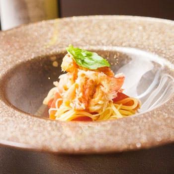 【平日限定】鴨川沿いのレストランで愉しむカジュアルランチ全3品!パスタorピッツァにデザート盛合せなど