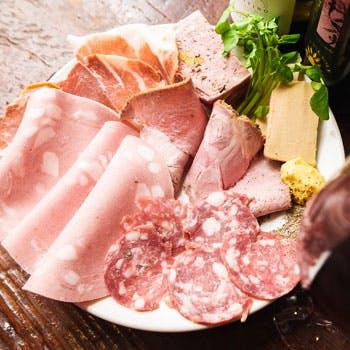 【貸切プラン】スパークリング含む飲み放題!パスタ&ピッツア、メインはお魚と牛肉料理にデザートの6品