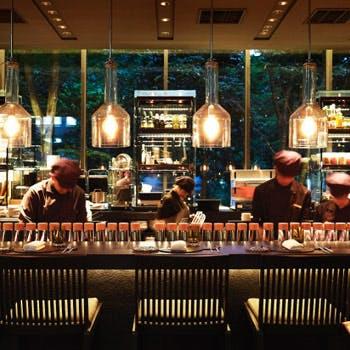 【スパークリングワイン付】人気のガレットを含むWメインの全4品 ビストロディナー(カウンター席ご利用)