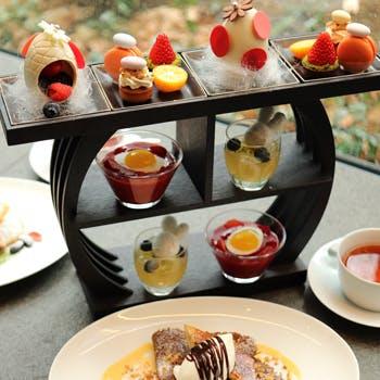 【3/15〜4/13 平日限定】Easter Foret Desserts 季節のスイーツ全6種と選べるクレープのスイーツセット