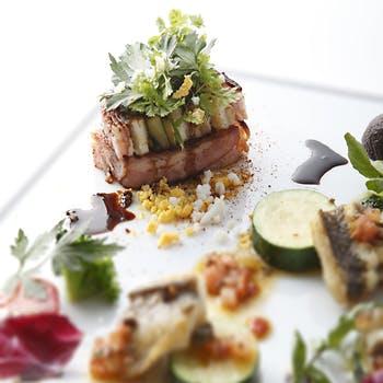 【窓側確約×1ドリンク付】大パノラマで東京湾を一望!魚or肉より選べるメインなど全4皿