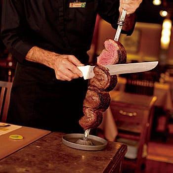 【17:30入店早割】シュラスコ17種とやサラダ、デザートバーまで楽しめるお得なディナー