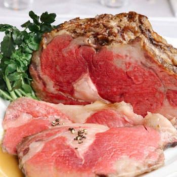 【大切な日のお食事にも最適】旬を迎えた季節の食材と厳選した熟成肉を使用したその日だけの特別コース