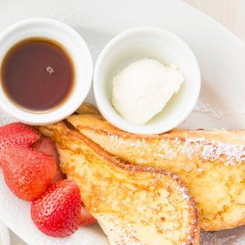 【平日限定】1ドリンク付!看板メニュー2種を一度に!エッグベネディクト+パンケーキorフレンチトースト