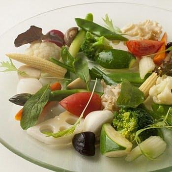 【隠れ家フレンチバーで頂く】季節のこだわり旬食材で作る 前菜、魚料理、肉料理、コーヒーor紅茶付全4品