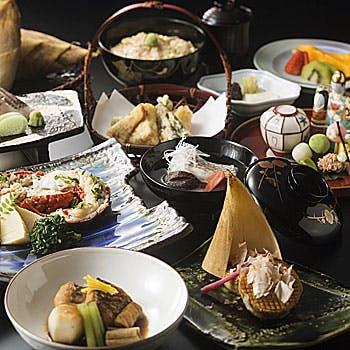 【東山×個室確約】大切な方との会食に!本格握り寿司や天ぷら、金目鯛塩焼き、蟹小鍋など豪華京会席全9品