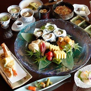 【団欒会席】お造りや秋刀魚の天ぷら、ひつまぶしを堪能!〜ご家族やカップルにもお勧め〜