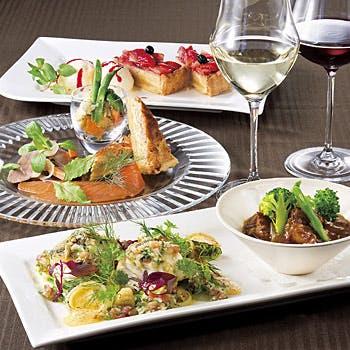 【2ドリンク付】開放的な特別空間で旬の素材を使った種類豊富なお料理と、こだわりのデザートを堪能!