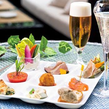 【1日4組様限定】ビールやスパークリングワイン含む飲み放題!開放的な空間で愉しむこだわりの料理9種!