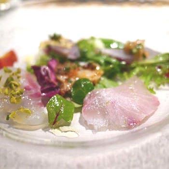 【広尾駅徒歩1分】5種鮮魚のスペシャリテを含む6品フルコース!繊細かつ好奇心旺盛な料理をお愉しみ下さい