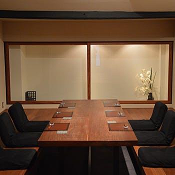 【個室確約(個室料込)】9〜10名のご予約に!生湯葉のお刺身、造り盛り、なまふ田楽、蒸し物など全9品!