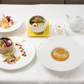 【人気プラン最安値】1ドリンク付!フカヒレ専門店で味わうフカヒレの姿煮、ハーフ麺など全5品