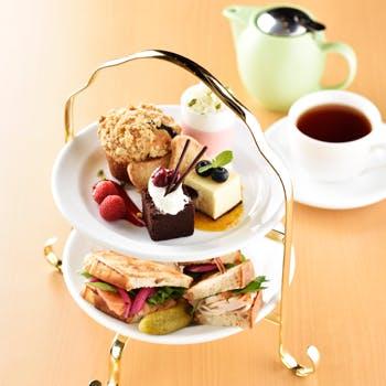 【コーヒー紅茶お替り自由&茶葉交換可】18時迄ゆっくりと!スイーツとサンドウィッチのアフタヌーンティー