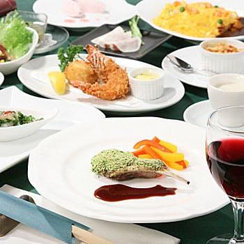 【乾杯スパークリング付】4,550円→3,900円!色々なお料理を少しずつ楽しむ全8品!メイン、選べるお食事等