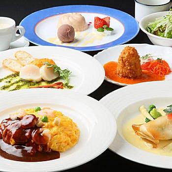 【乾杯スパークリング+飲み放題付】人気の洋食&お食事が選べる!昼飲みランチコース全6品