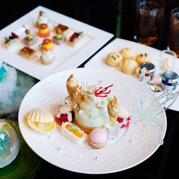 【週末限定】蝶が舞うギャラリーアフタヌーンティーシーズンスタイル 紅茶・コーヒー…
