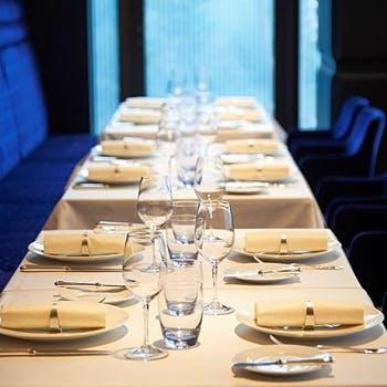 【銀座駅徒歩2分】優美で華やかな空間で愉しむ本格フランス料理!宮城県産ハーブ鶏のロースト等4品をご堪能