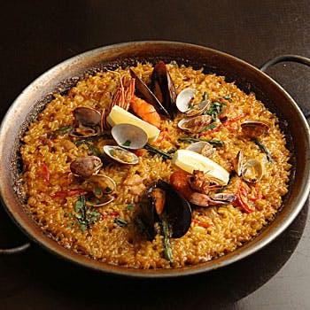 【飲み放題付き】メインディッシュに魚料理かお肉料理で選んでいただける、本格的コース料理です。