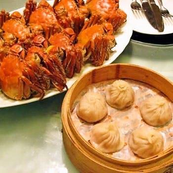 【タイムセール】銀座で旬の上海蟹、北京ダック、フカヒレ、飲茶3種等豪華全13品コースに2時間飲み放題付!